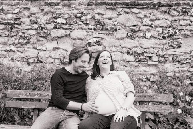 fun natural maternity photographer